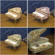 ●SALE●可愛らしいロココのアクセサリーホルダー(ピアノ)●お気にのアクセ置き♪ミニチュア家具♪