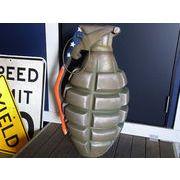 レジン製の手榴弾型オブジェ(星条旗柄)【MODEL GRENADE(USA)】セールスプロモーションドール