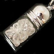 天然石チップ お守り瓶キーホルダー クリスタル水晶(Crystal quartz)