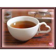 【恋するハート・シリーズ】のティーカップ、白磁(美濃焼)の質の良い商品です。