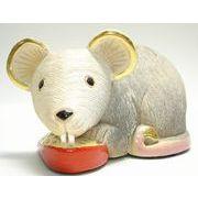 チーズを食べるネズミ(大)