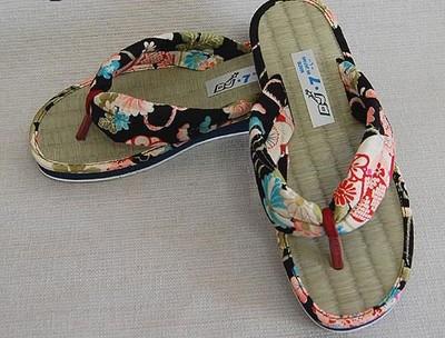 【日本製】着物や浴衣にも良く似合う、い草の優しい履き心地。い草雪駄草履スリッパ サンダル