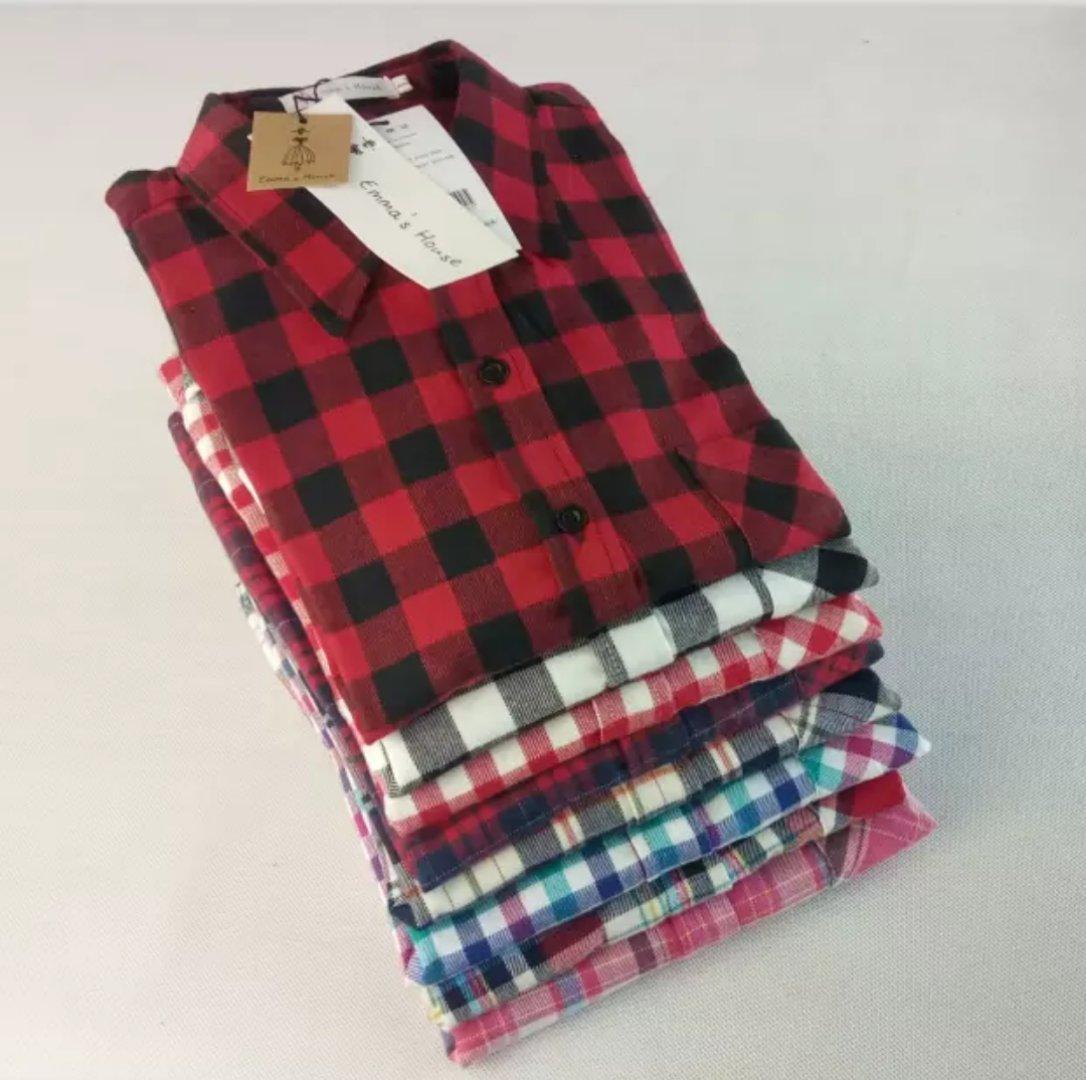 レディース 大人気定番の長袖チェックシャツ   シンプルで可愛い