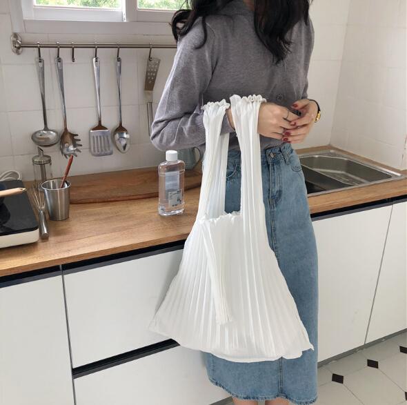 レディース バッグ トートバッグ リュックサック シンプル 褶曲 韓国風