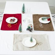 クリスマステーブル ナイフとフォーク ホテルのレストラン 麻布 テーブル 食器マット