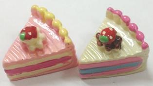 ☆デコパーツ☆苺ショートケーキパーツ 30個入りセット