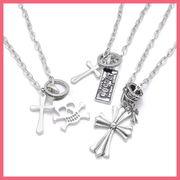 十字架デザインネックレス