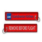 Kool Krew/クールクルー キーチェーン スカンジナビア「Remove Before Flight」