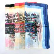 【日本製】【スカーフ】シルクサテンストライプ生地アベニュー柄日本製四角大判スカーフ