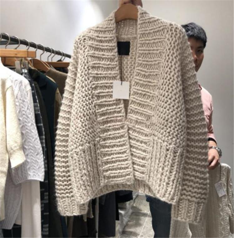 クーポン適用でさらにお得 Vネック 秋冬物 セーター ゆったりする レトロ ニットトップス