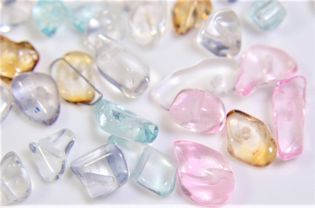 【夏アクセサリー】ガラスさざれ石 透明カラーたっぷり15g入(約60点) トレンドパーツ 1点約1円