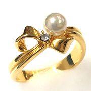 【SALE】【日本製】リボンに真珠の乗った可愛いリング☆【スワロ使用】/BR-4027