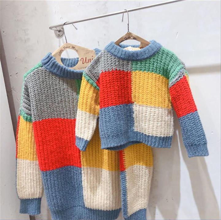 快適で暖かい 子供服 秋 セーター 親子服 韓国 チェック柄 ニット 短いスタイル ゆったりする 百掛け