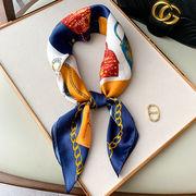 大判正方形スカーフ シルクタッチ クラシック バック柄入り 全2色 05172