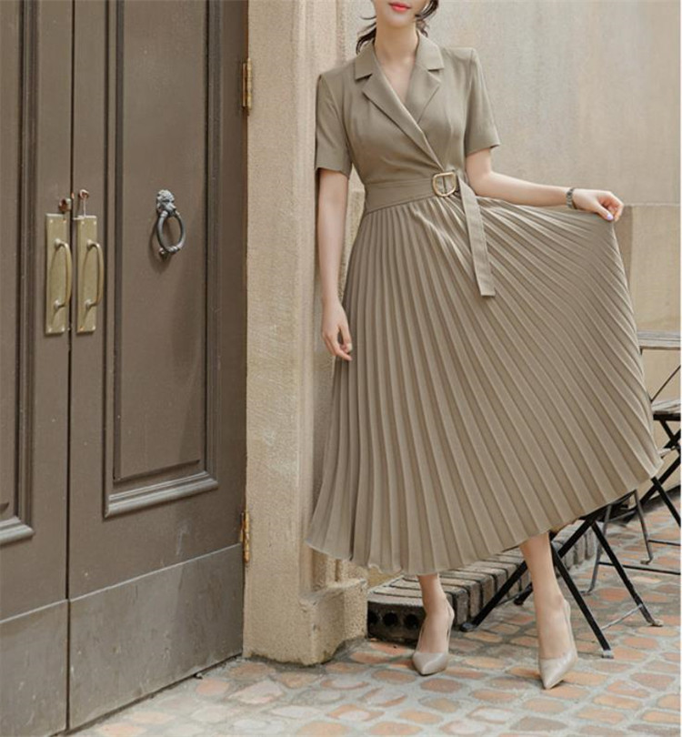 この1枚で今年風に  INSスタイル 気質 OL スーツネック 半袖 腰を括る 大きい裾 プリーツ 職業 ワンピース