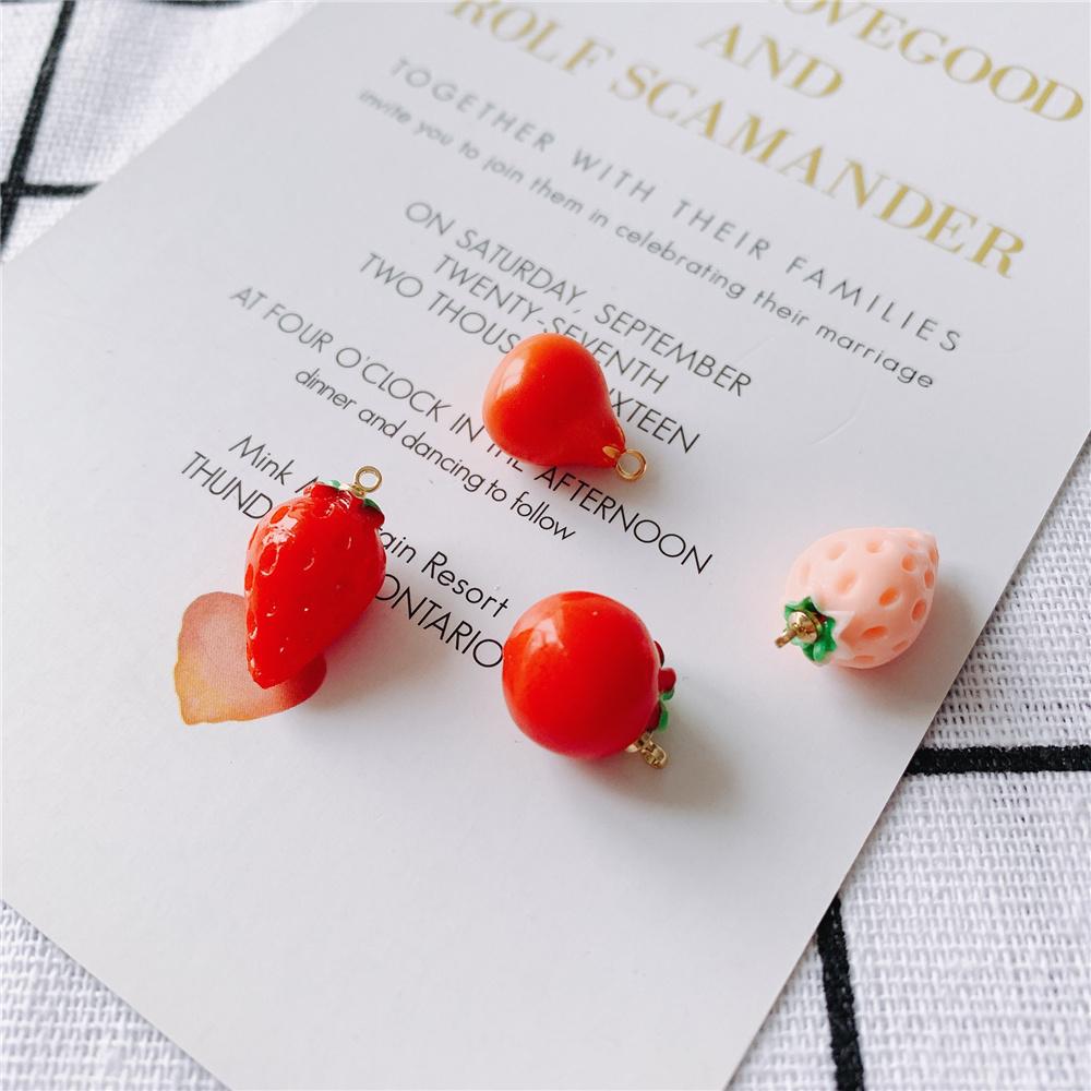 ザクロ  金属パーツ 金具 イチゴ アクセサリーパーツ 立体的 いちごモチーフ フルーツ 果物のチャーム