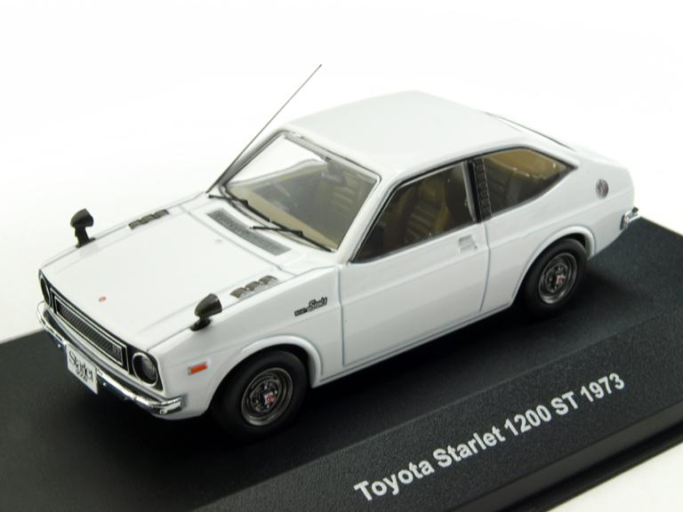 KBモデル(イクソ) トヨタ スターレット 1200ST 1973 ホワイト