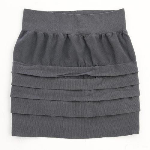 気になるヒップと太ももをスッキリカバー☆上質な肌触りレギンスオンスカート 2色