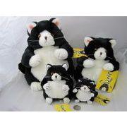 デブ猫ヌイグルミ黒猫こてつと三毛のこばん