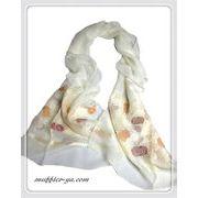 刺繍風フラワー織柄入りの100%シルクロングスカーフ 1785c