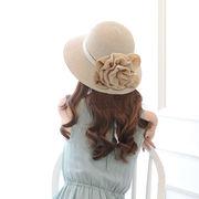 夏新品   レディース 帽子  麦わら帽子  日焼け止め  花飾り付き UV防止 上品