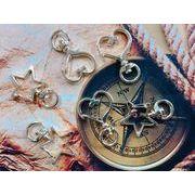 【金具】キーホルダー ゴールド色の星型とハート型 46円