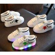 新品 シューズ 靴  子供靴 男/女童 光る 子供スニーカー 星柄