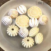 【rikiビーズトライアルパック】(ホワイト×ゴールド)ヴィンテージ風 デザインビーズ アクリルビーズ