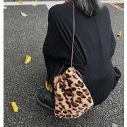 流行★ 豹柄バック新登場!!オシャレ鞄★ショルダーバッグ★バッグ