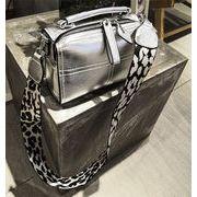 高レビュー多数 超特価中 バッグ・レディース バッグ ショルダーバッグ 2 size 2本ベルト