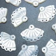 マザーオブパール 白蝶貝 扇 レース 彫刻 パーツ ハンドメイド 素材