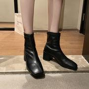 秋 新しいデザイン スクエアヘッド ブーツ 女 春秋 シングルブーツ ファッション 何で