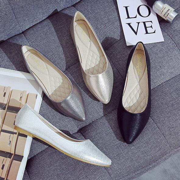 2020新しいフラットシングルシューズ女性尖った頭豆靴カジュアルな快適な女性の靴