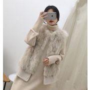 合わせやすい服で 韓国ファッション キツネ ファー タンクトップ 縫付 ギャザリング ラウンドネック