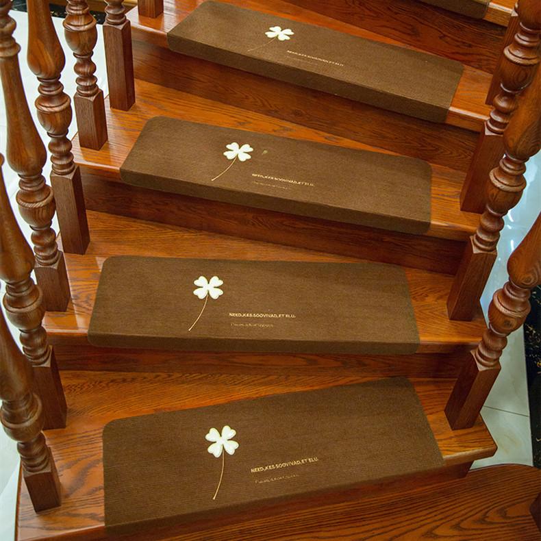 階段マット 滑り止めマット 蛍光 自由に裁断 洗える おしゃれ 折り曲げ付き 子供安全対策 5枚組