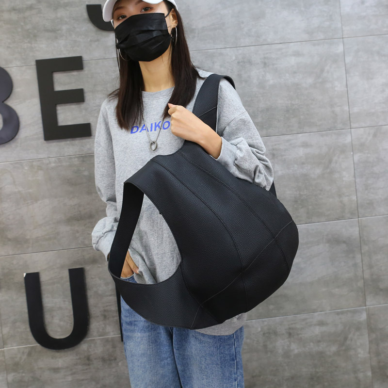 リュック メンズバッグアウトドア  男女兼用  大容量 通学 通勤 旅行