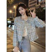 パウダーピンク 若い女性 ツイードコート 女性服 春秋 新しいデザイン 省 短いスタイル